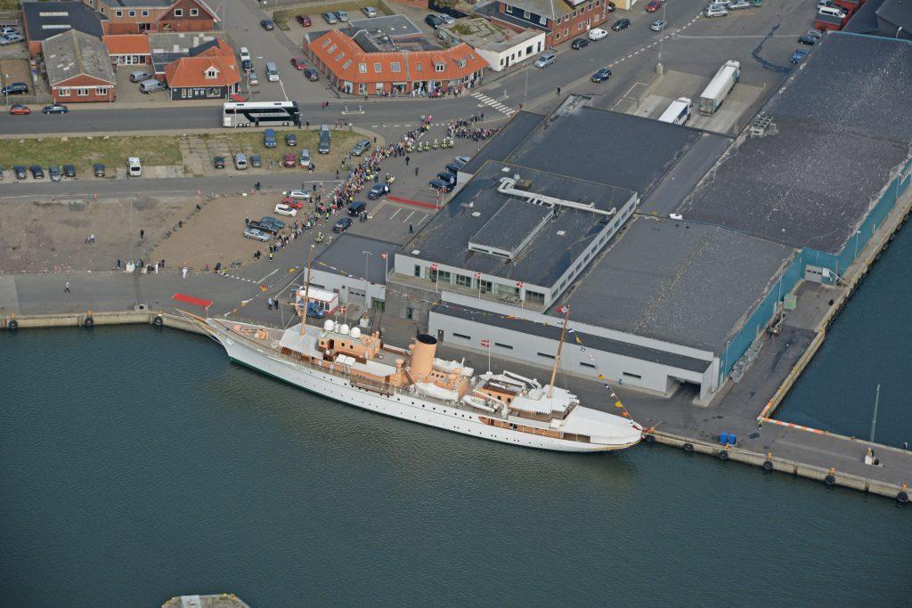 Luftfoto 01.09.14: Royalt besøg med kongeskibet Dannebrog i Thyborøn
