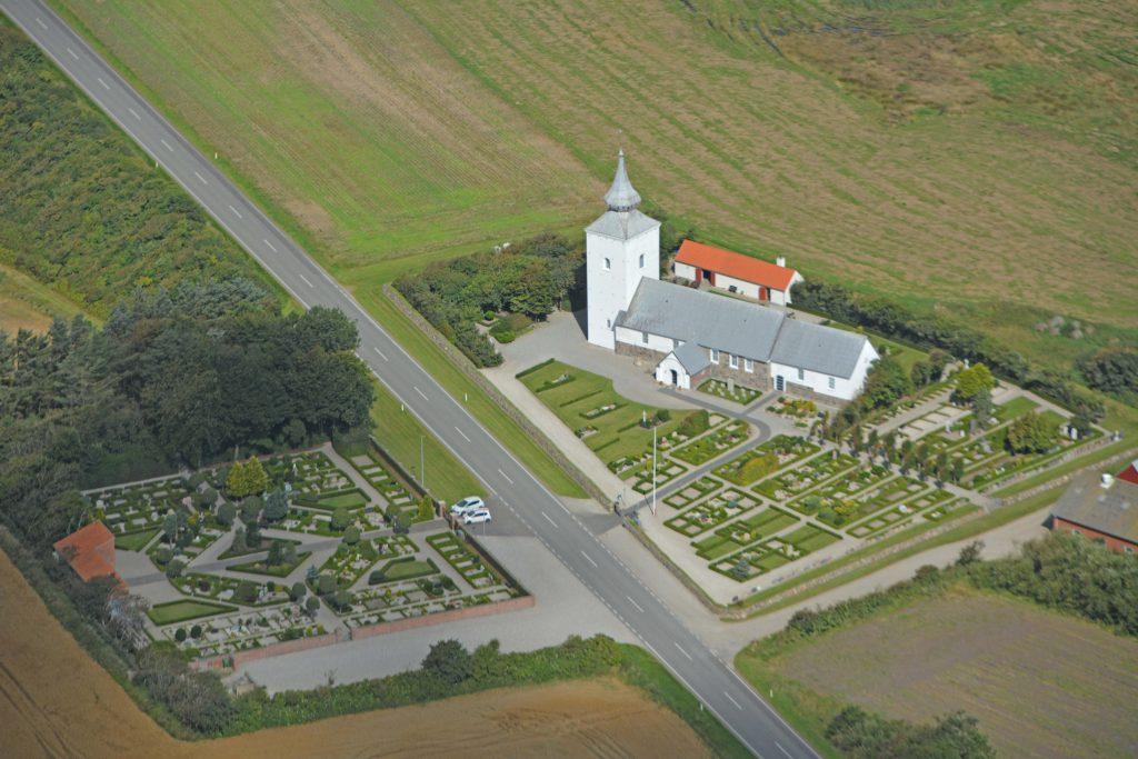 Bøvling kirke, luftfoto 190816