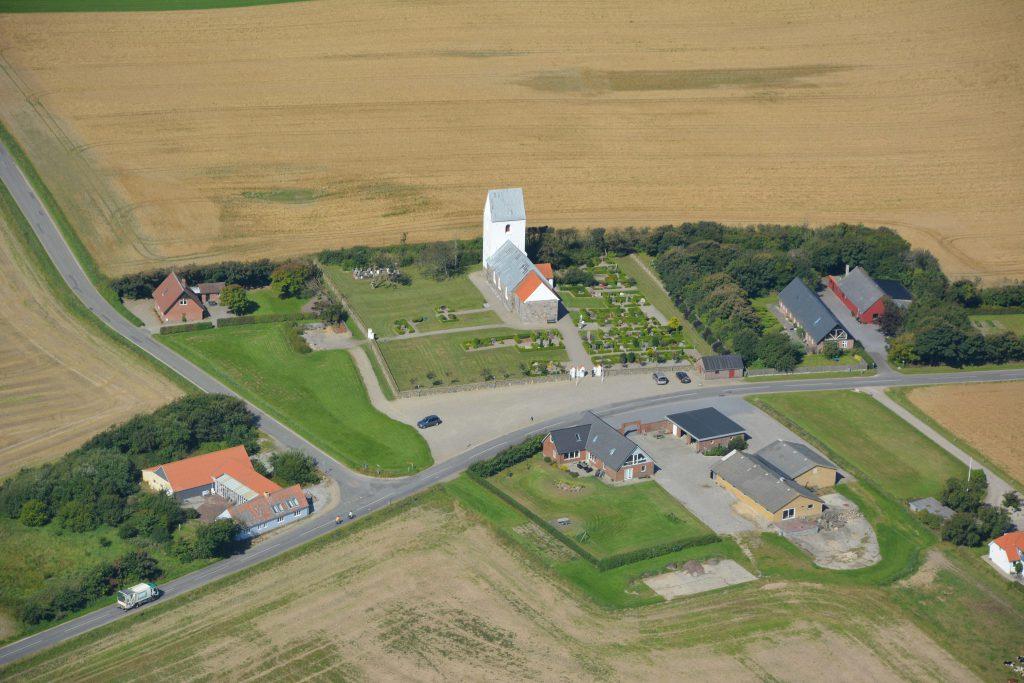 Luftfoto Tørring Kirke, Lemvig, 190816