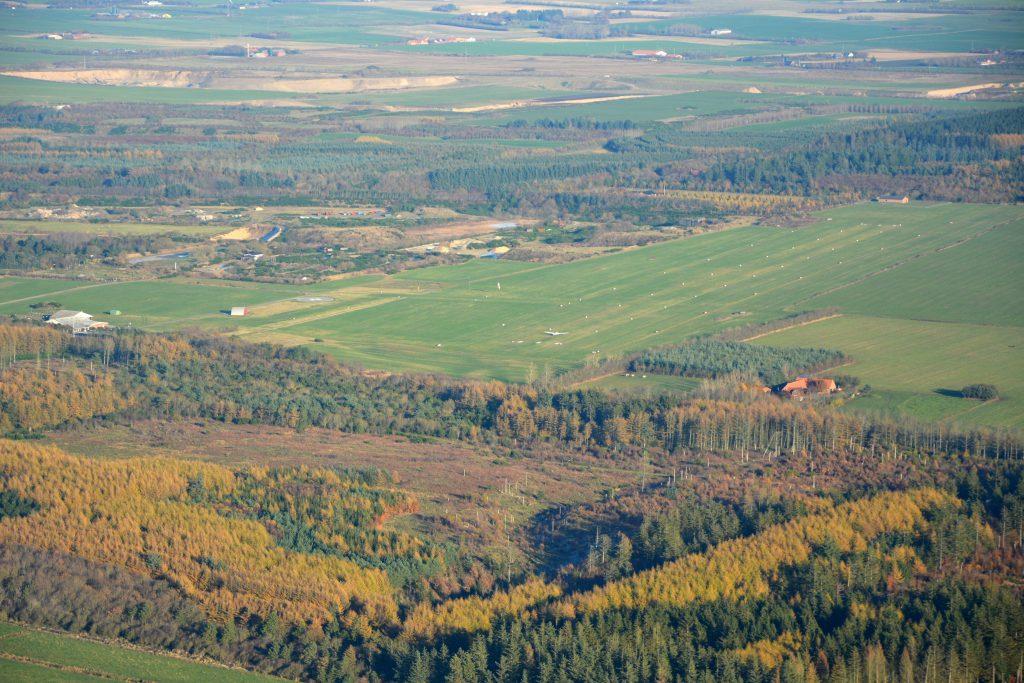 Lemvig flyveplads EKLV i efterårsfarver