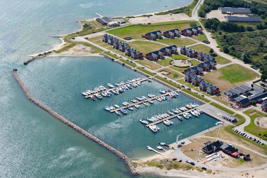 Luftfoto 15.08.2013: Lemvig marina, feriecenter, sejlklub og roklub