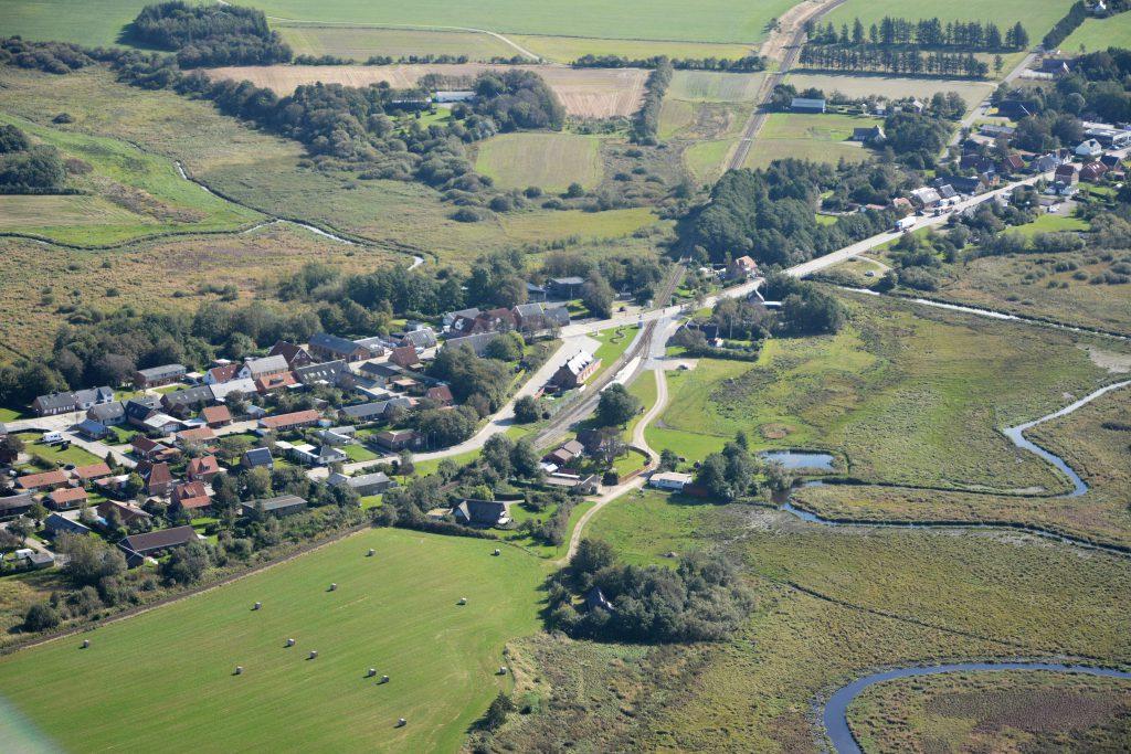 luftfoto 290915 : Bækmarksbro, set fra vest