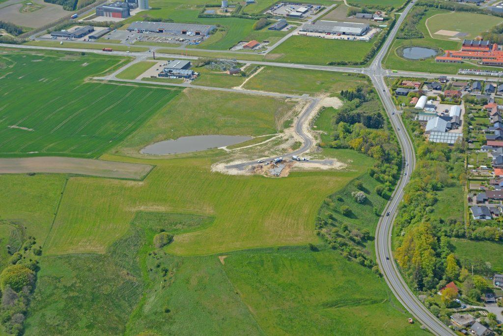 Lemvig Kommune udstykker et nyt boligområde på Søglimt nær Sønderbjerg og Ringkøbingvej. Udstykningen består af 7 parcelhusgrunde, der ligger attraktivt ned mod Lemvig Sødal.