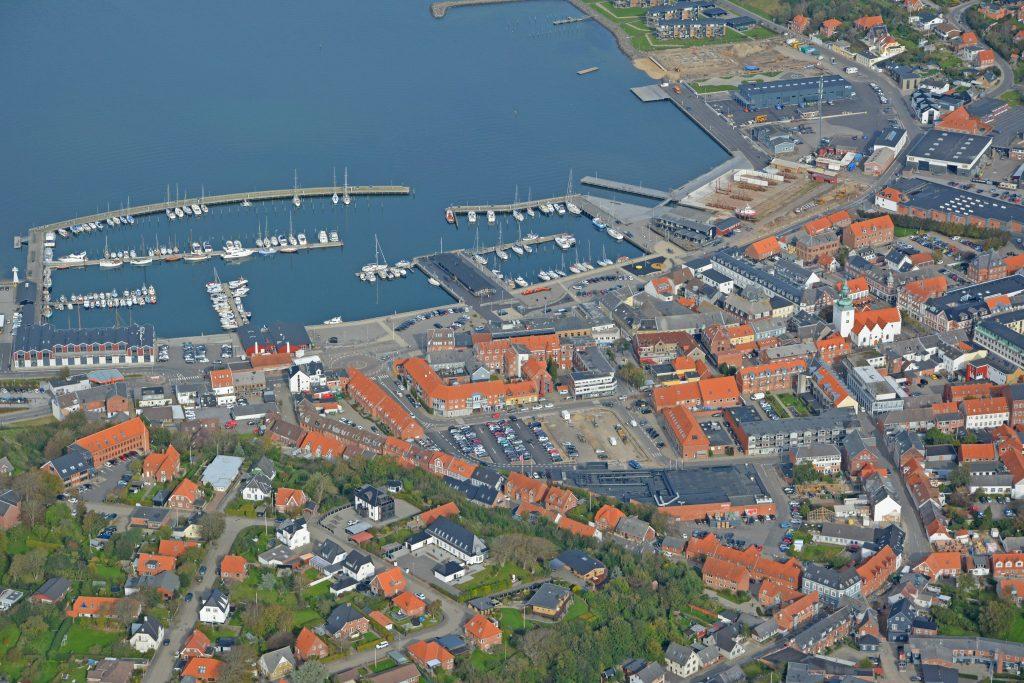 Lemvig By og havn, luftfoto 071019