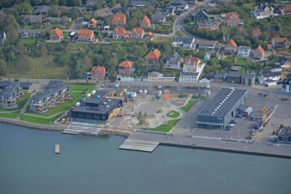 Luftfoto 05.10.20: Klimatorium bygges på Lemvig østhavn