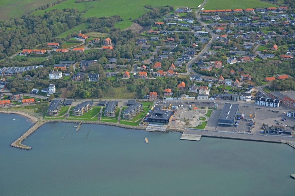 Luftfoto 05.10.20: Lemvig østhavn med Nørrebjerg, Teglgårdsbakken m.v.